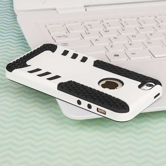 YouSave Accessories iPhone 5 and 5S / SE Border Combo Case - White