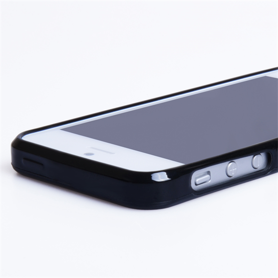 Yousave Accessories iPhone 5 Black Glossy Gel Case